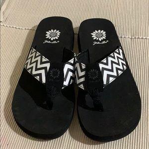 Yellow Box Black/White Flip Flop Sandals New